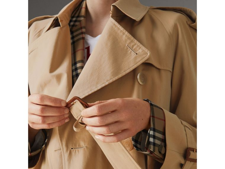 The Westminster Heritage Trench Coat in Honey - Women | Burberry - cell image 4
