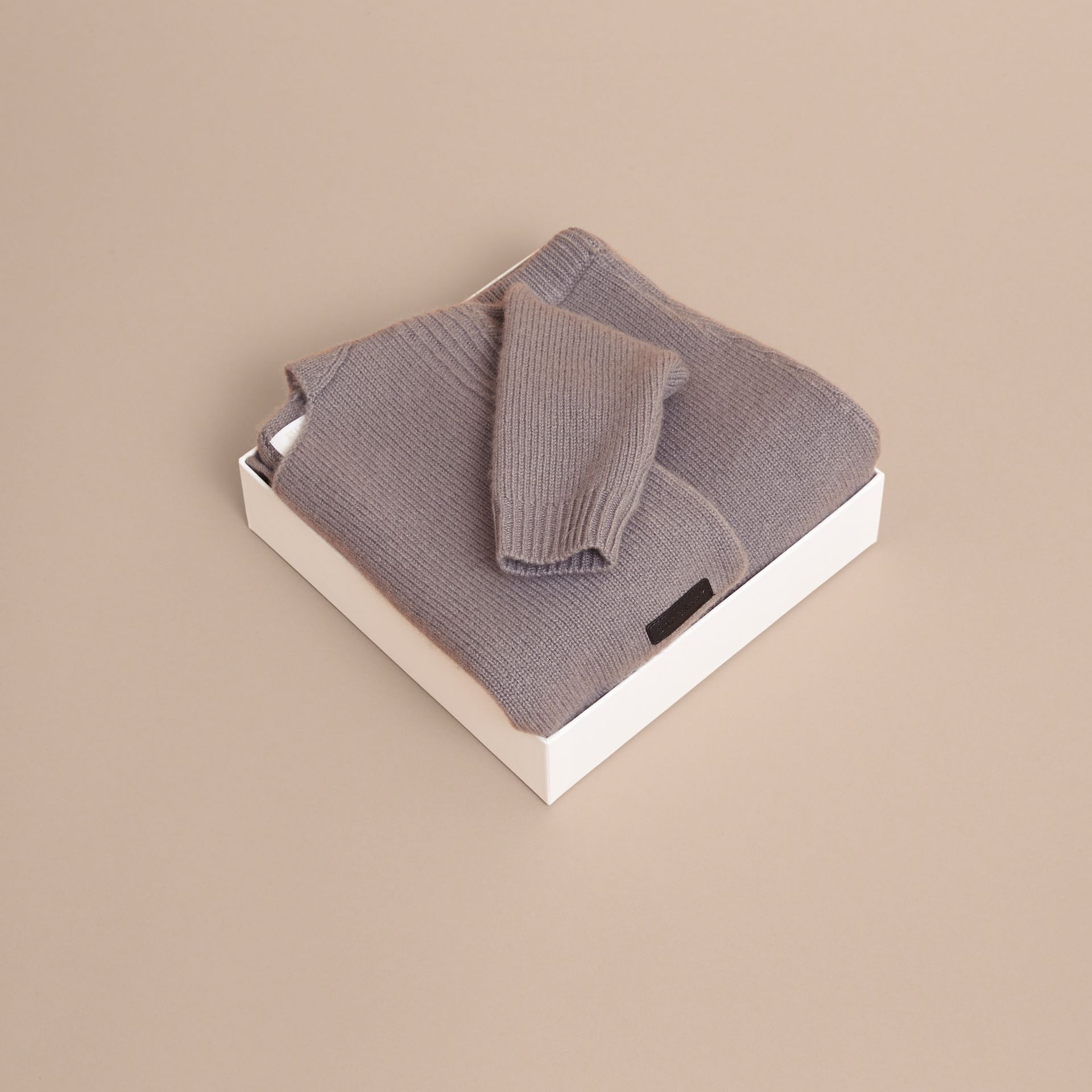 Cashmere Two-piece Baby Gift Set in Storm Grey | Burberry - gallery image 4