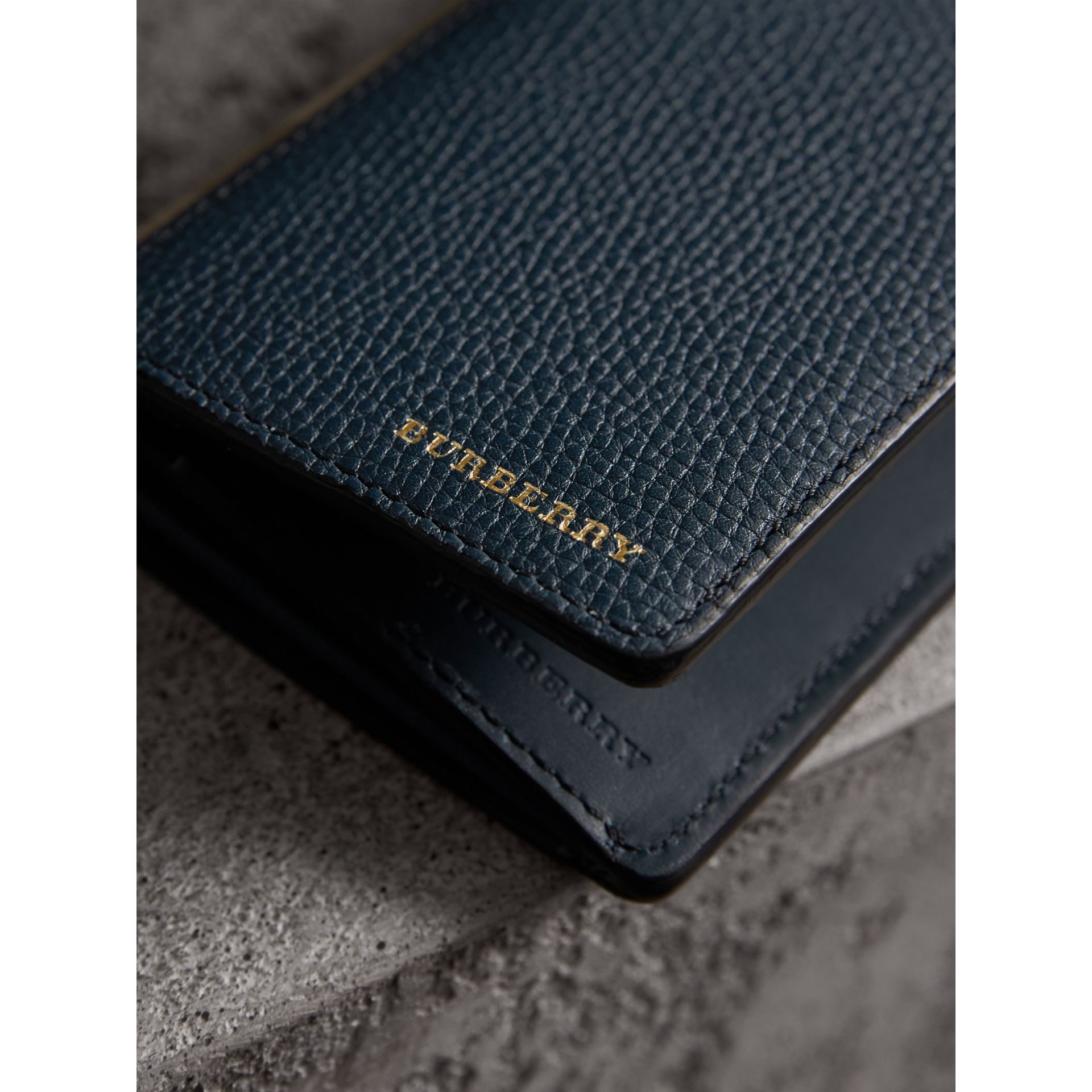 House Check and Grainy Leather Continental Wallet in Storm Blue | Burberry United Kingdom - gallery image 4