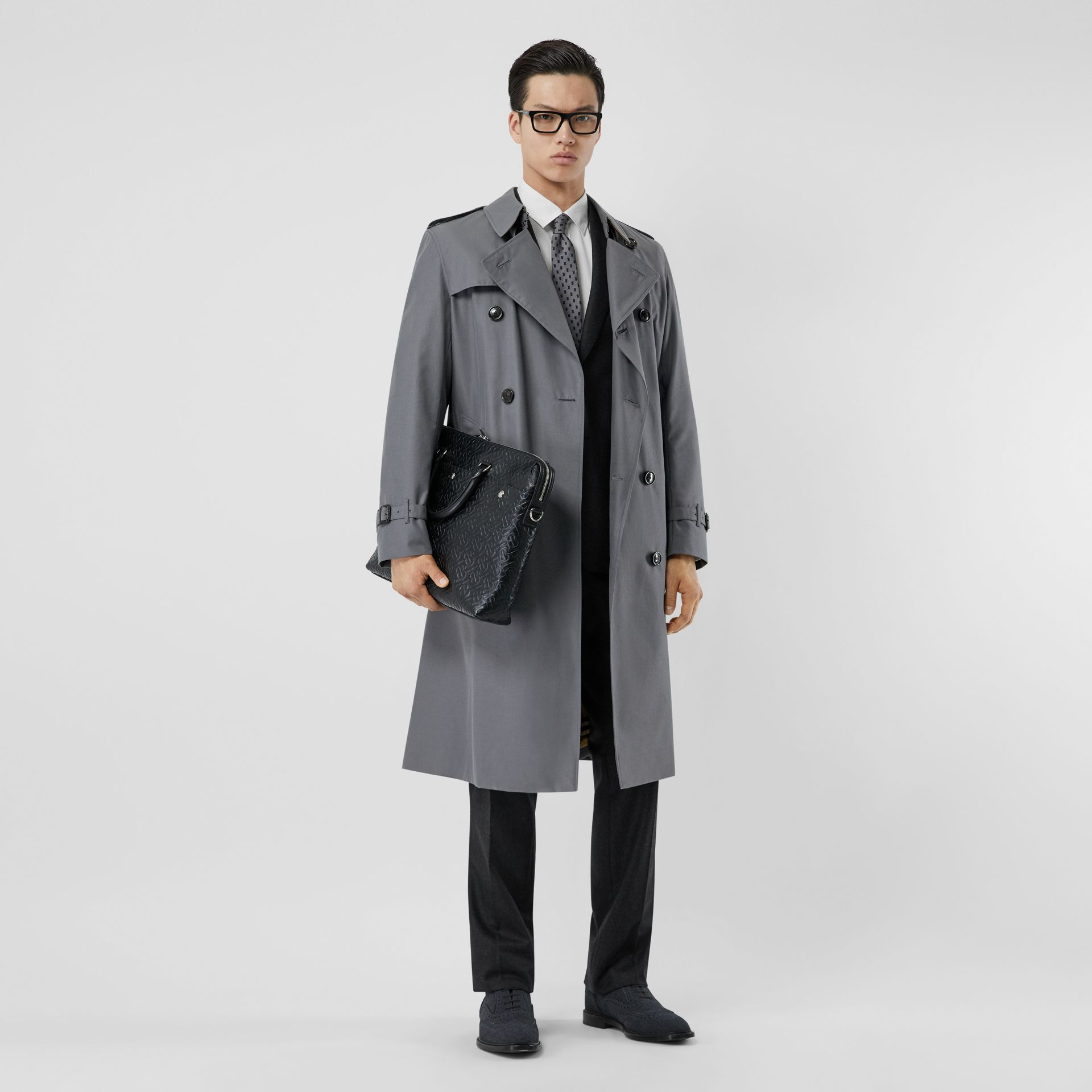 The Long Chelsea Heritage Trench Coat in Mid Grey - Men | Burberry Hong Kong S.A.R - gallery image 0