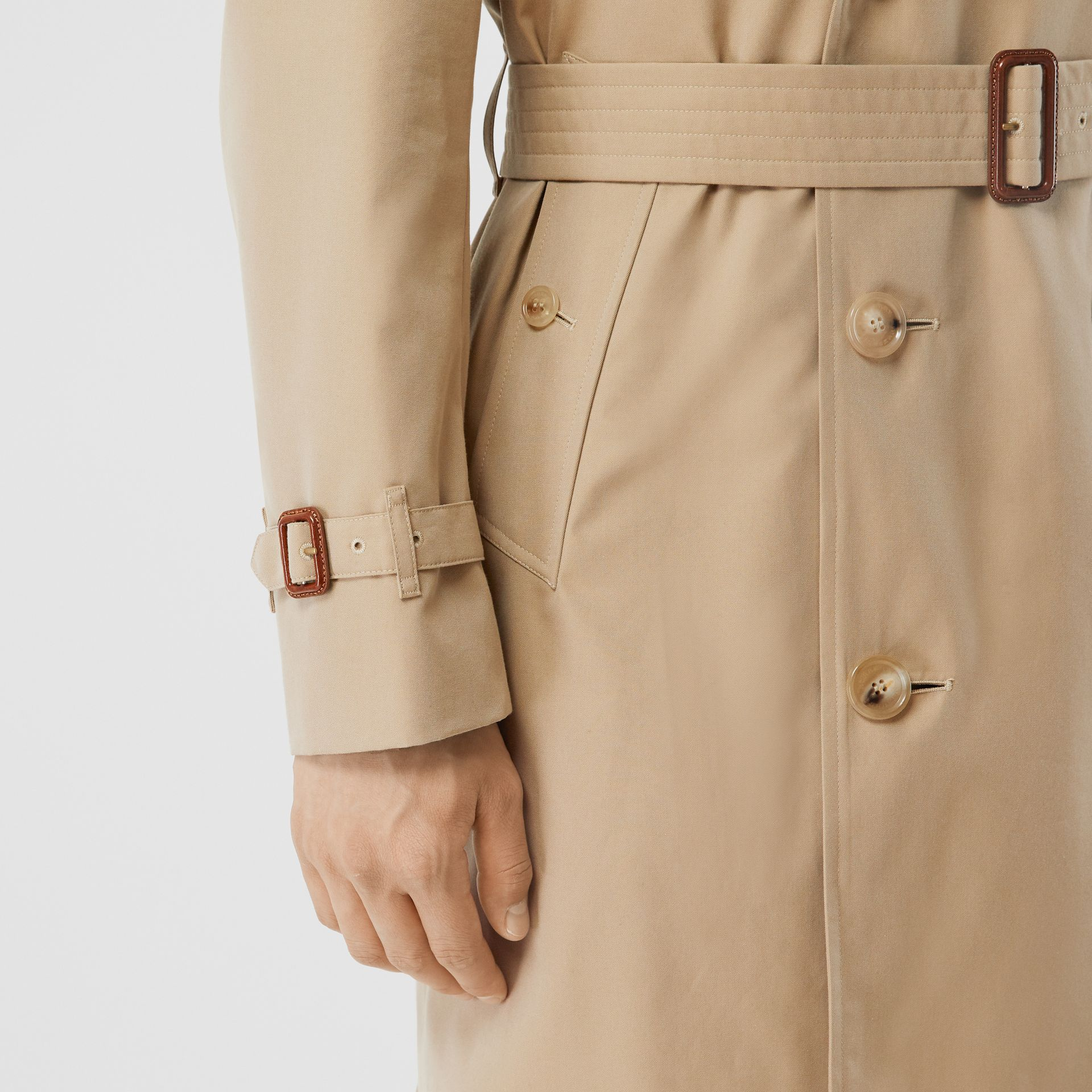 The Mid-length Chelsea Heritage Trench Coat in Honey - Men | Burberry Australia - gallery image 5