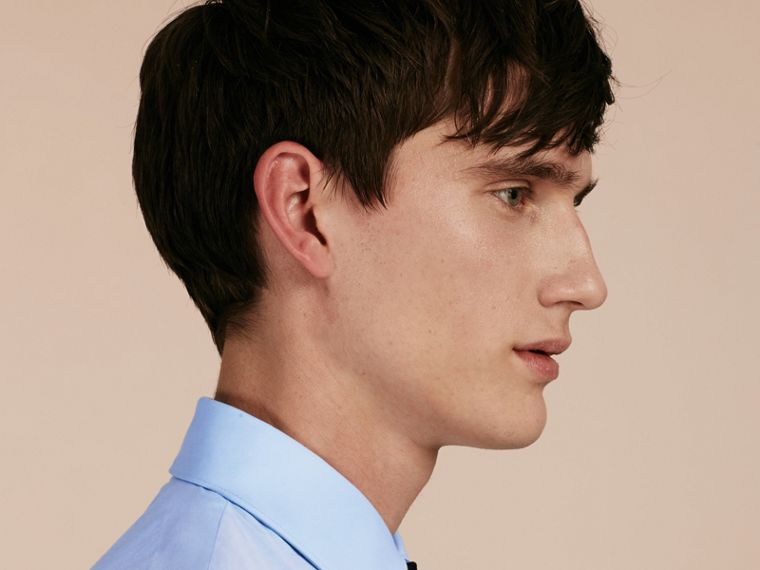 Slim Fit Stretch Cotton Shirt in City Blue - Men | Burberry Hong Kong - cell image 4