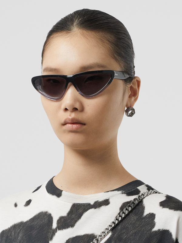 Gradient Detail Triangular Frame Sunglasses in Black - Women | Burberry - cell image 2