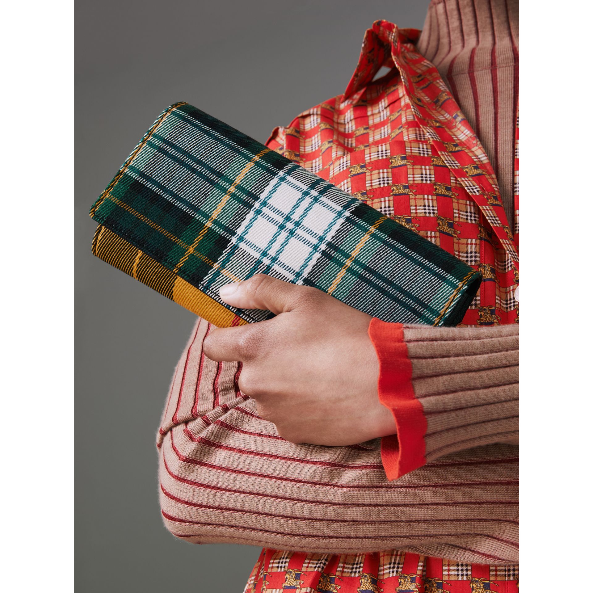 Tartan Cotton and Leather Wallet with Chain in Green/multicolour - Women | Burberry - gallery image 3
