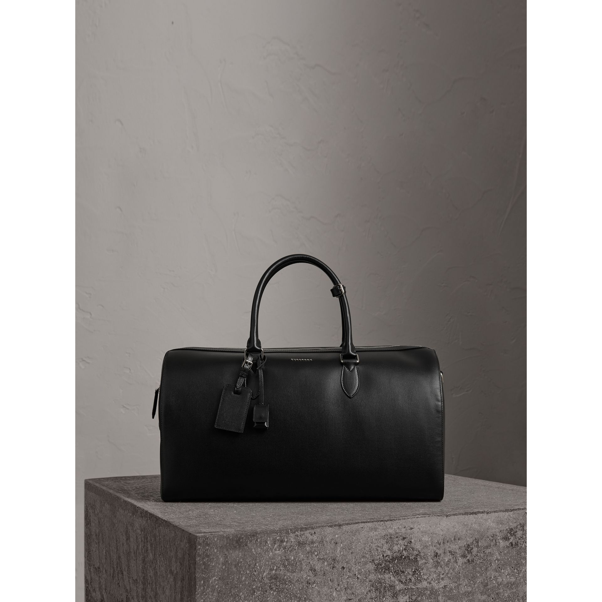London Leather Holdall in Black | Burberry - gallery image 0