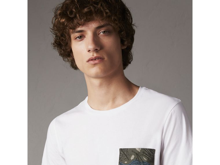 Beasts Jacquard Pocket Detail Cotton T-shirt in White - cell image 4
