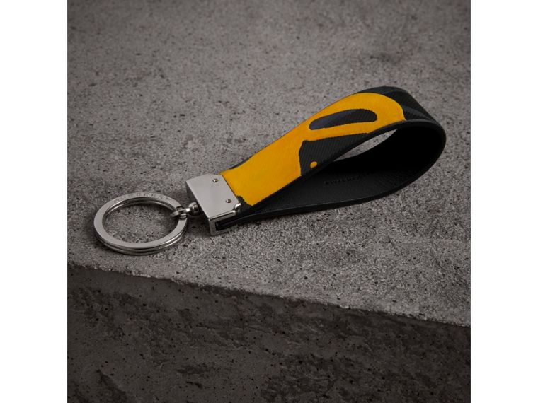 Splash Trench Leather Key Ring in Black/splash | Burberry - cell image 2