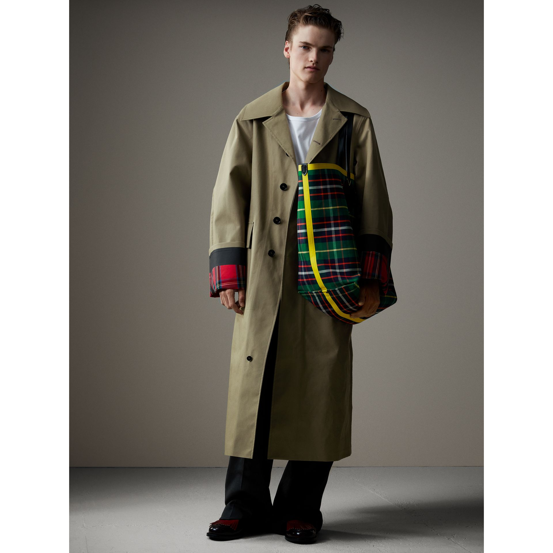 Bonded Cotton Oversized Seam-sealed Car Coat in Pale Olive/bright Red - Men | Burberry United Kingdom - gallery image 4