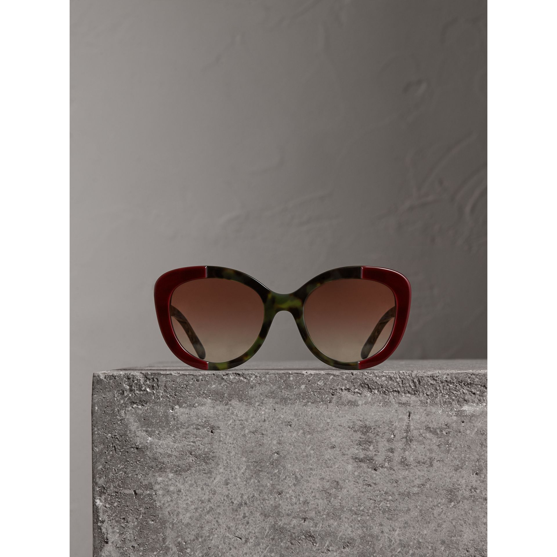Round Frame Sunglasses in Burgundy - Women | Burberry - gallery image 4