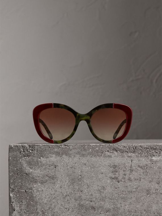 Round Frame Sunglasses in Burgundy - Women | Burberry Singapore - cell image 3