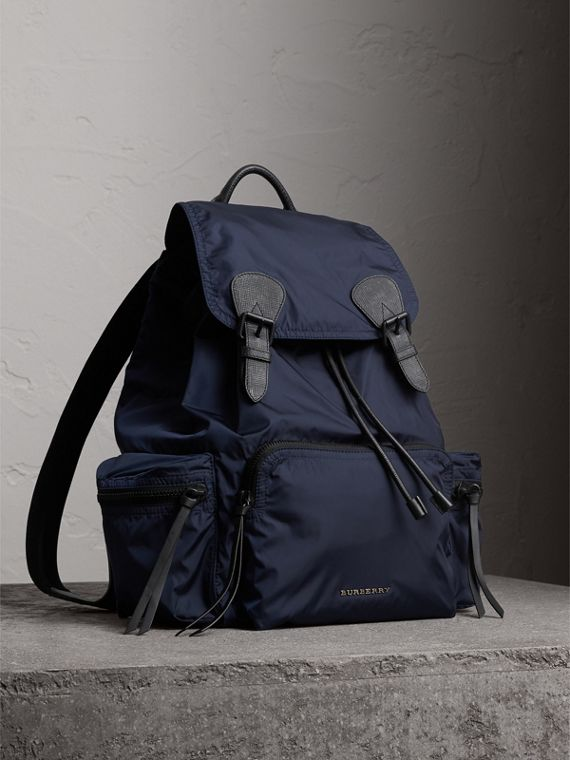 Grand sac The Rucksack en nylon technique et cuir (Bleu Encre)