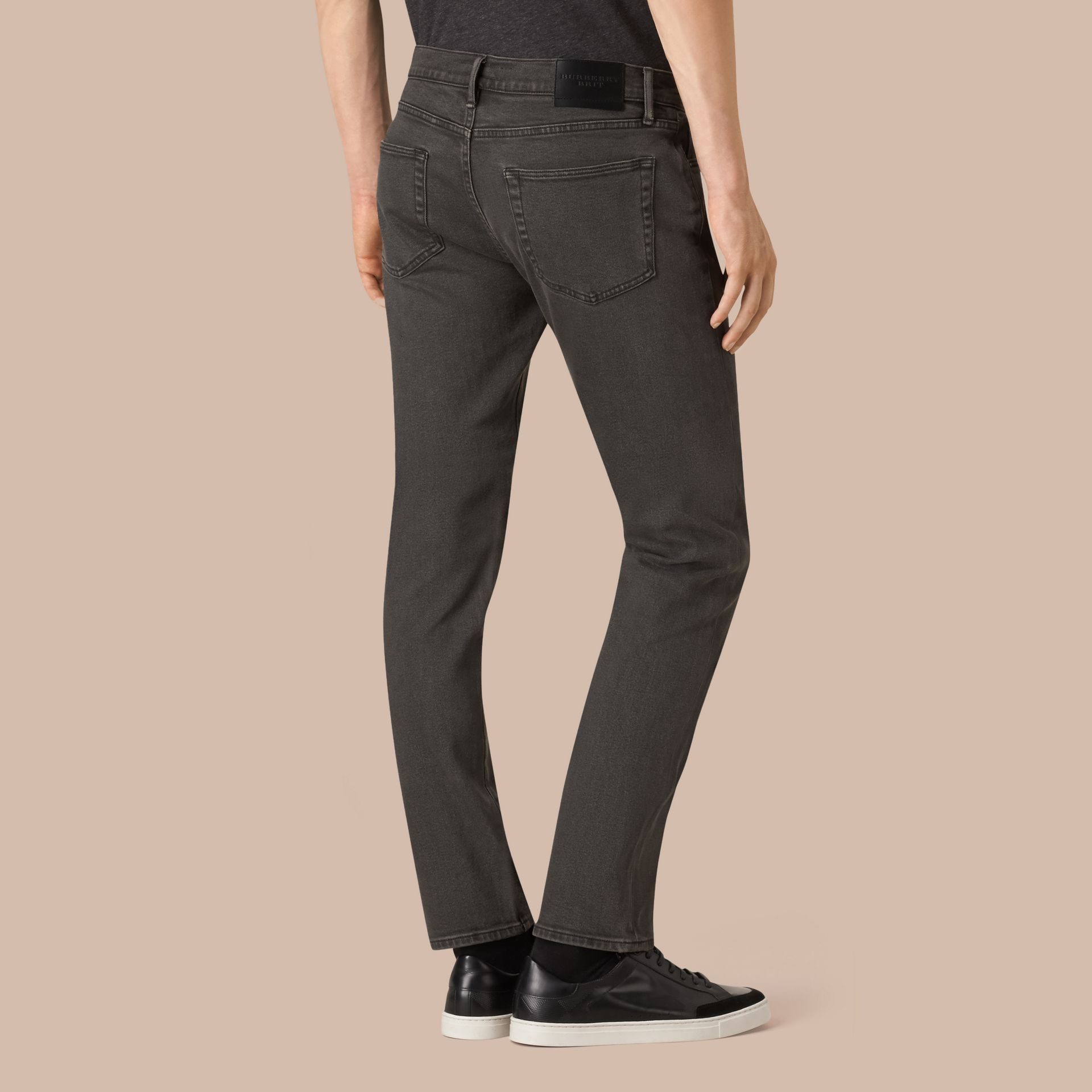 Noir Jean slim stretch en denim japonais - photo de la galerie 3