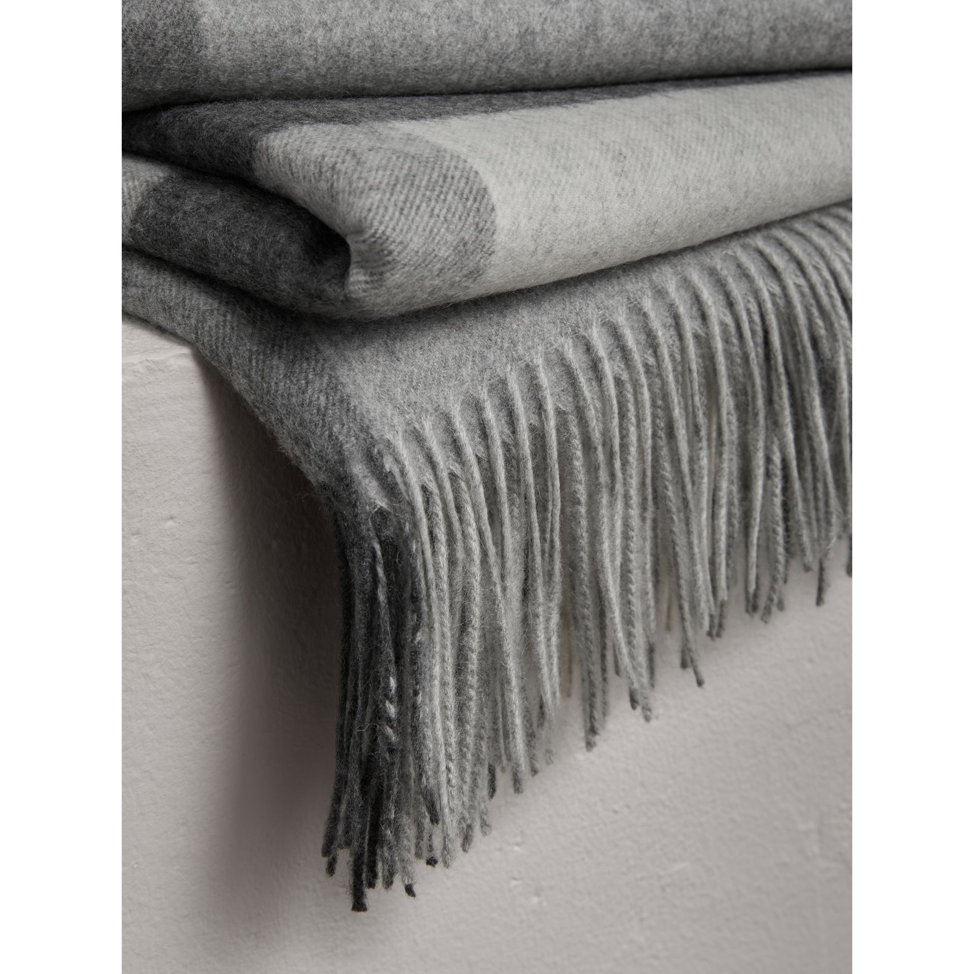 Check Cashmere Blanket in Pale Grey | Burberry - gallery image 1