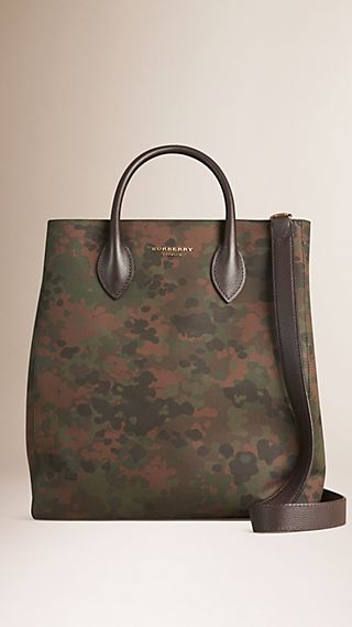 The Carryall in Camouflage-Print Cotton