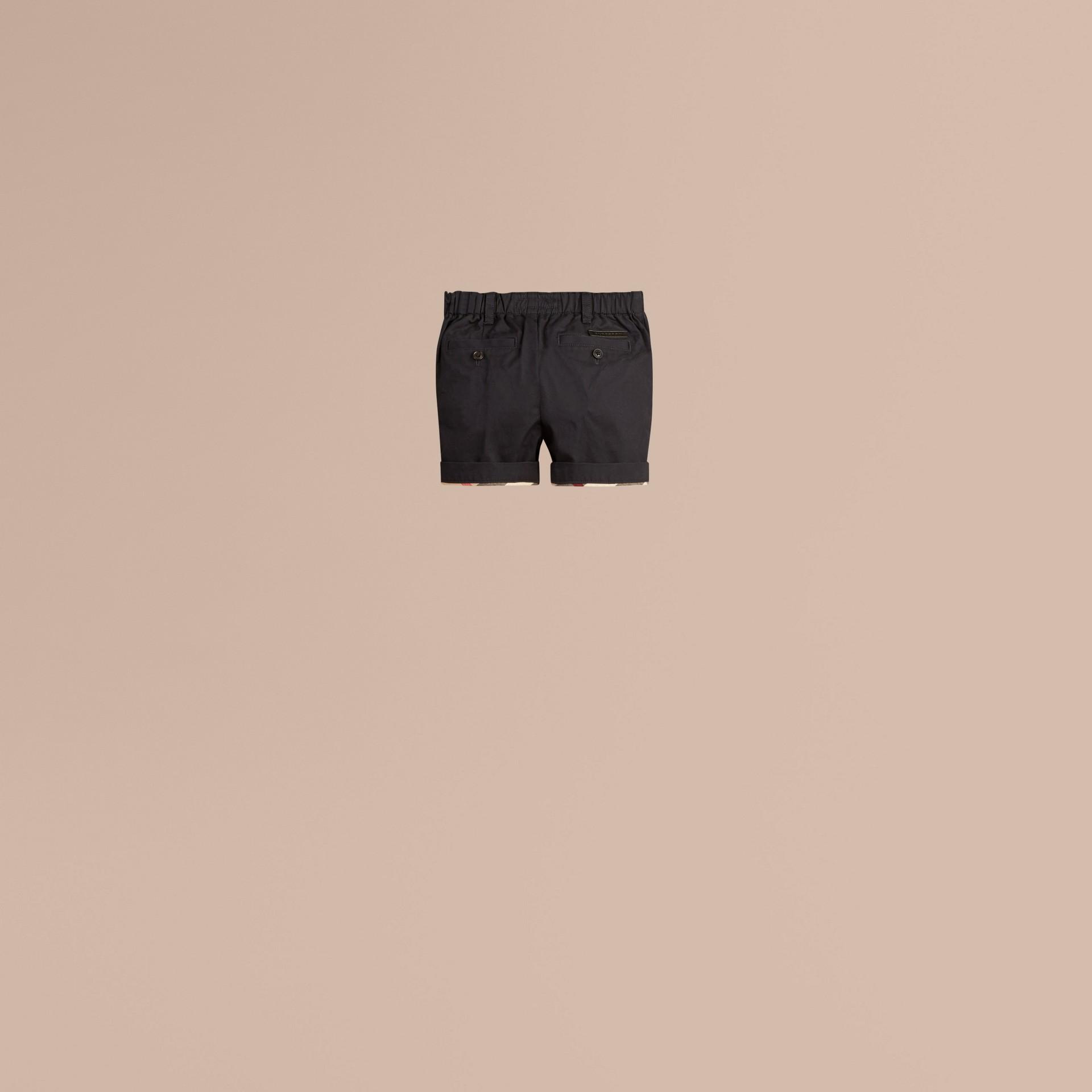 Inchiostro Pantaloncini chino in cotone con dettagli check Inchiostro - immagine della galleria 3