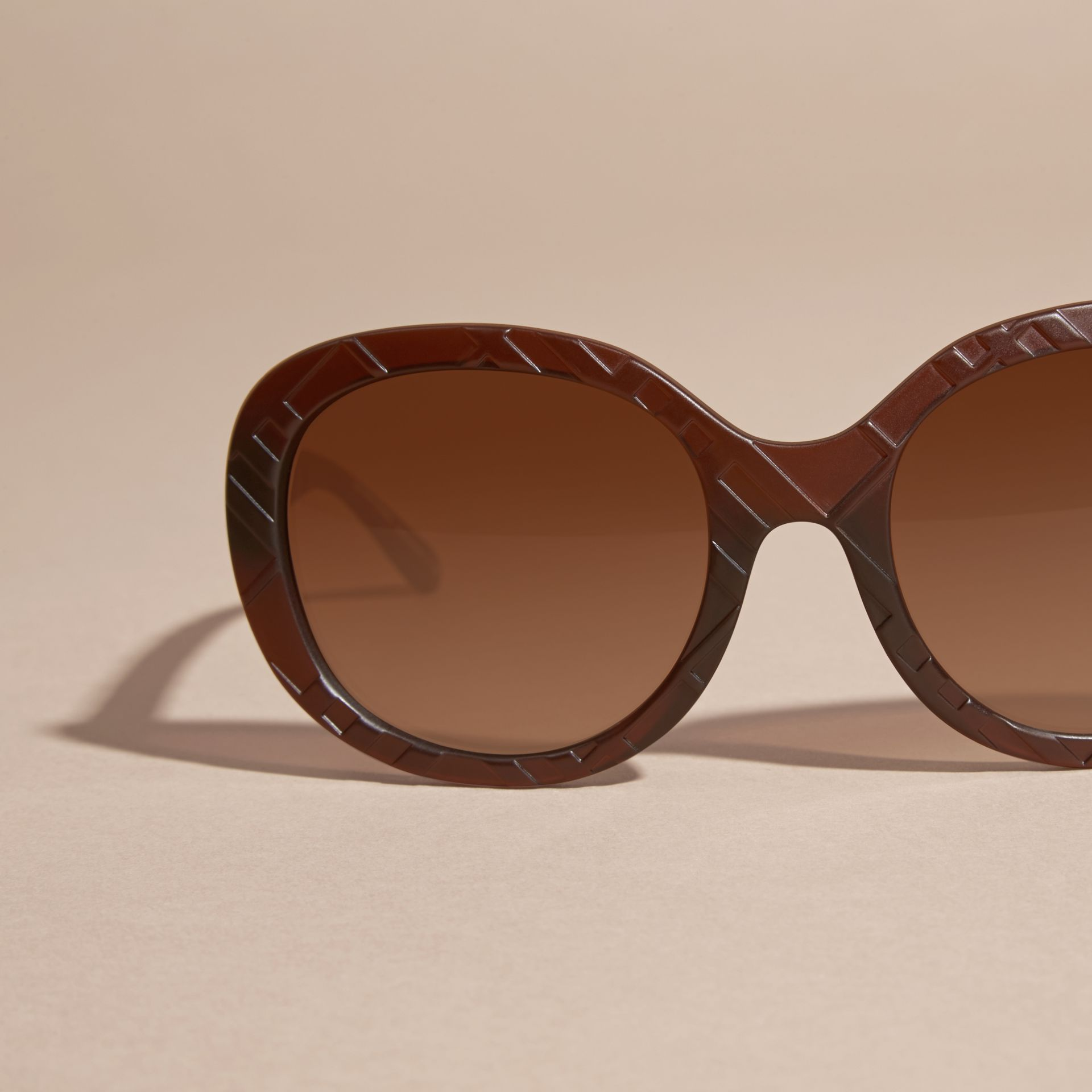 Brown 3D Check Round Frame Sunglasses Brown - gallery image 3