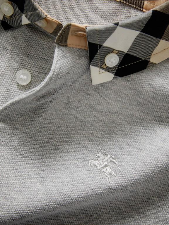 Camisa polo com colarinho xadrez (Cinza Claro Mesclado) - Menino | Burberry - cell image 1