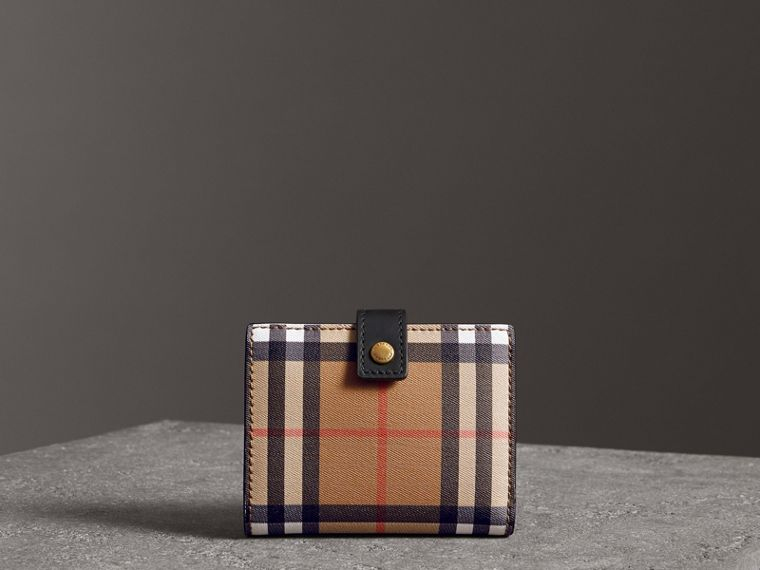 Small Vintage Check and Leather Folding Wallet in Black - Women | Burberry Canada - cell image 4