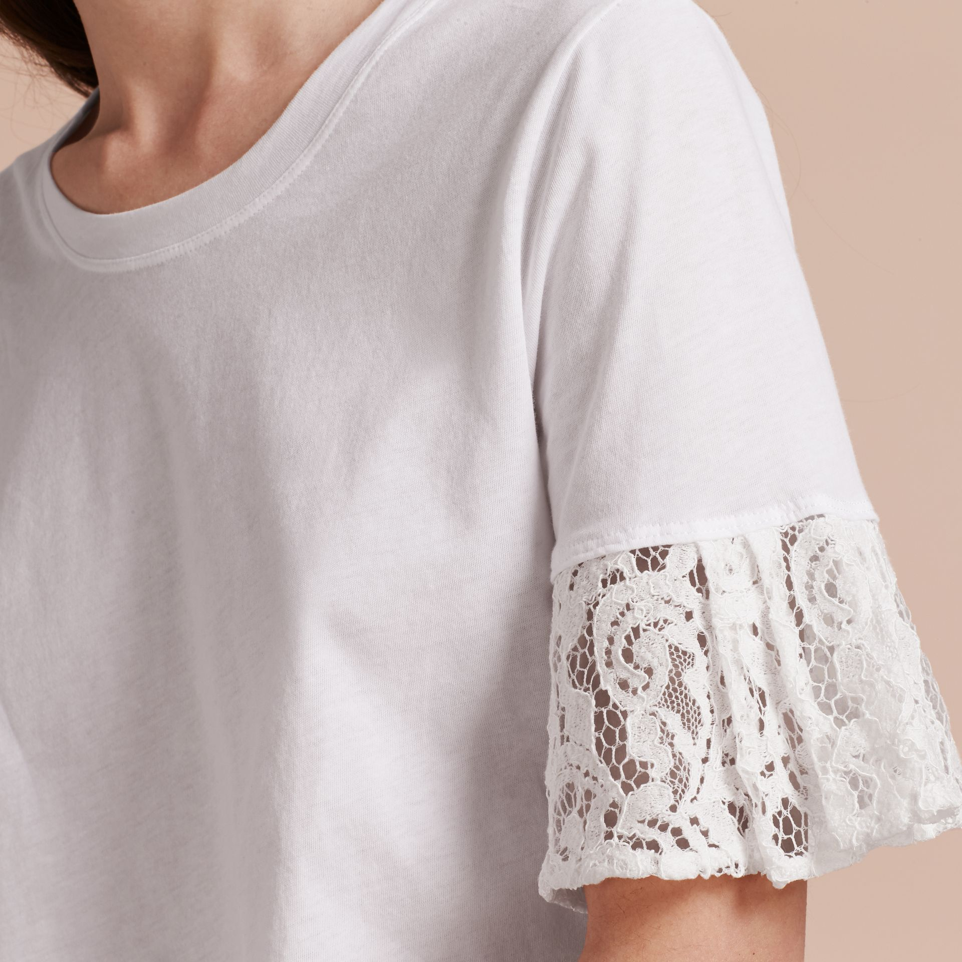 Lace Trim Cotton T-shirt in White - gallery image 5
