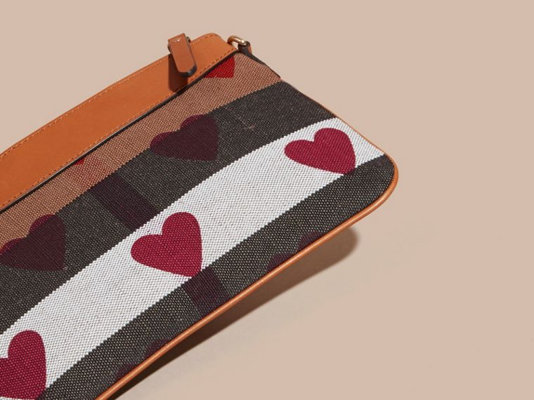Parade red Heart Print Canvas Check Clutch Bag Parade Red - cell image 4