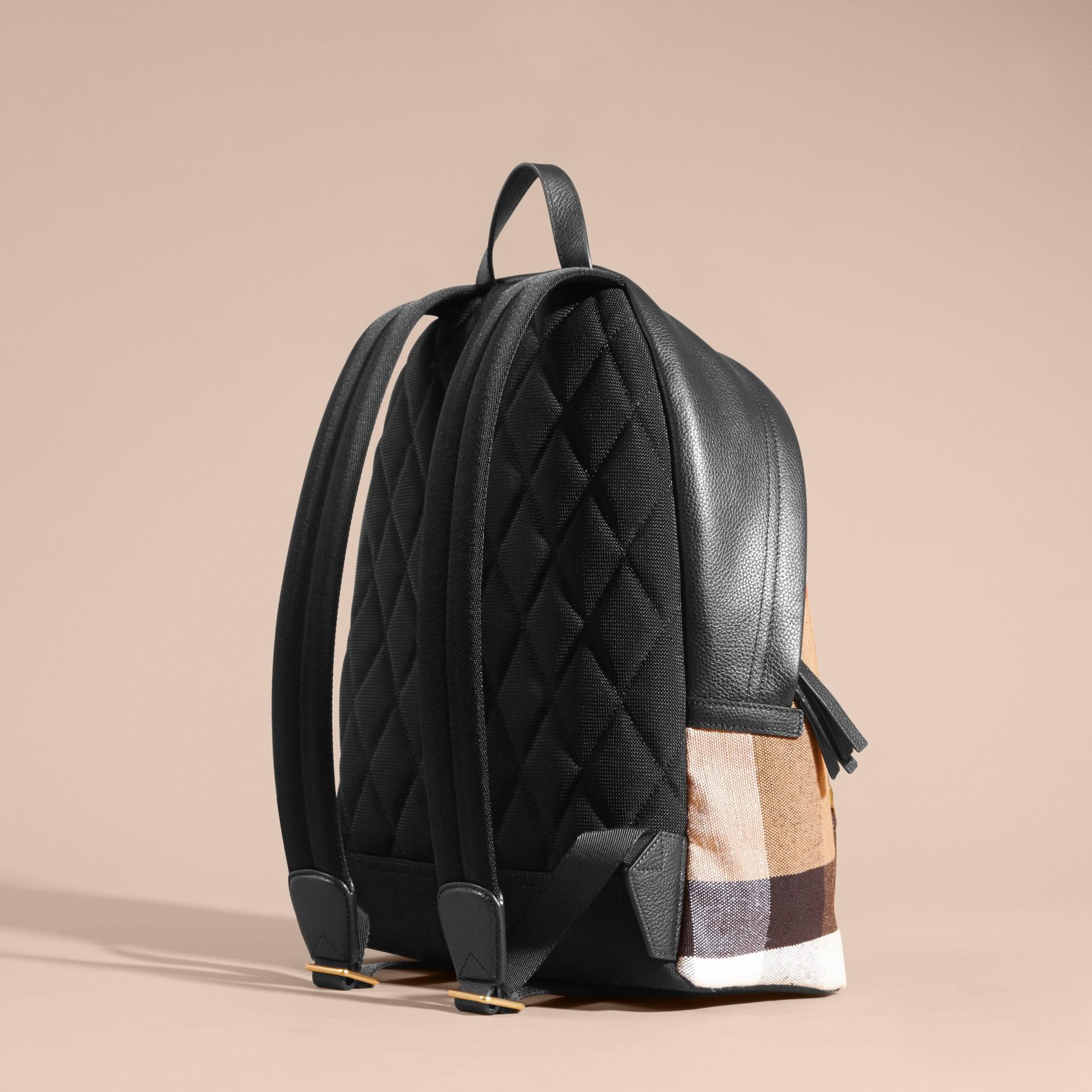Schwarz Rucksack aus Canvas Check-Gewebe mit Lederbesatz - Galerie-Bild 4