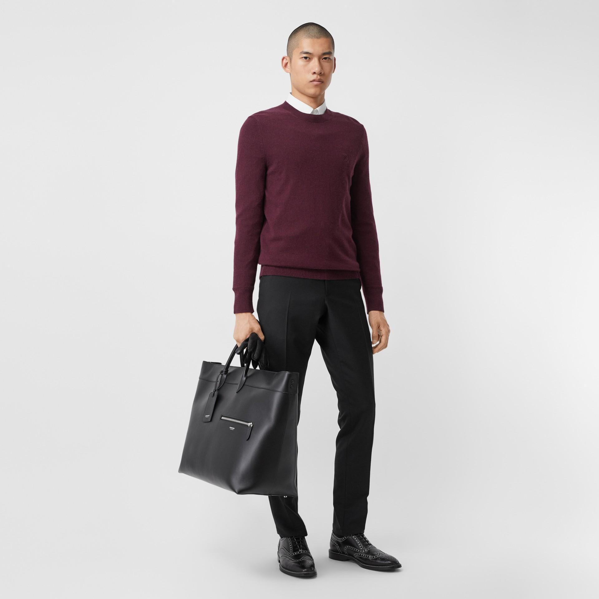 모노그램 모티프 캐시미어 스웨터 (버건디) - 남성 | Burberry - 갤러리 이미지 4
