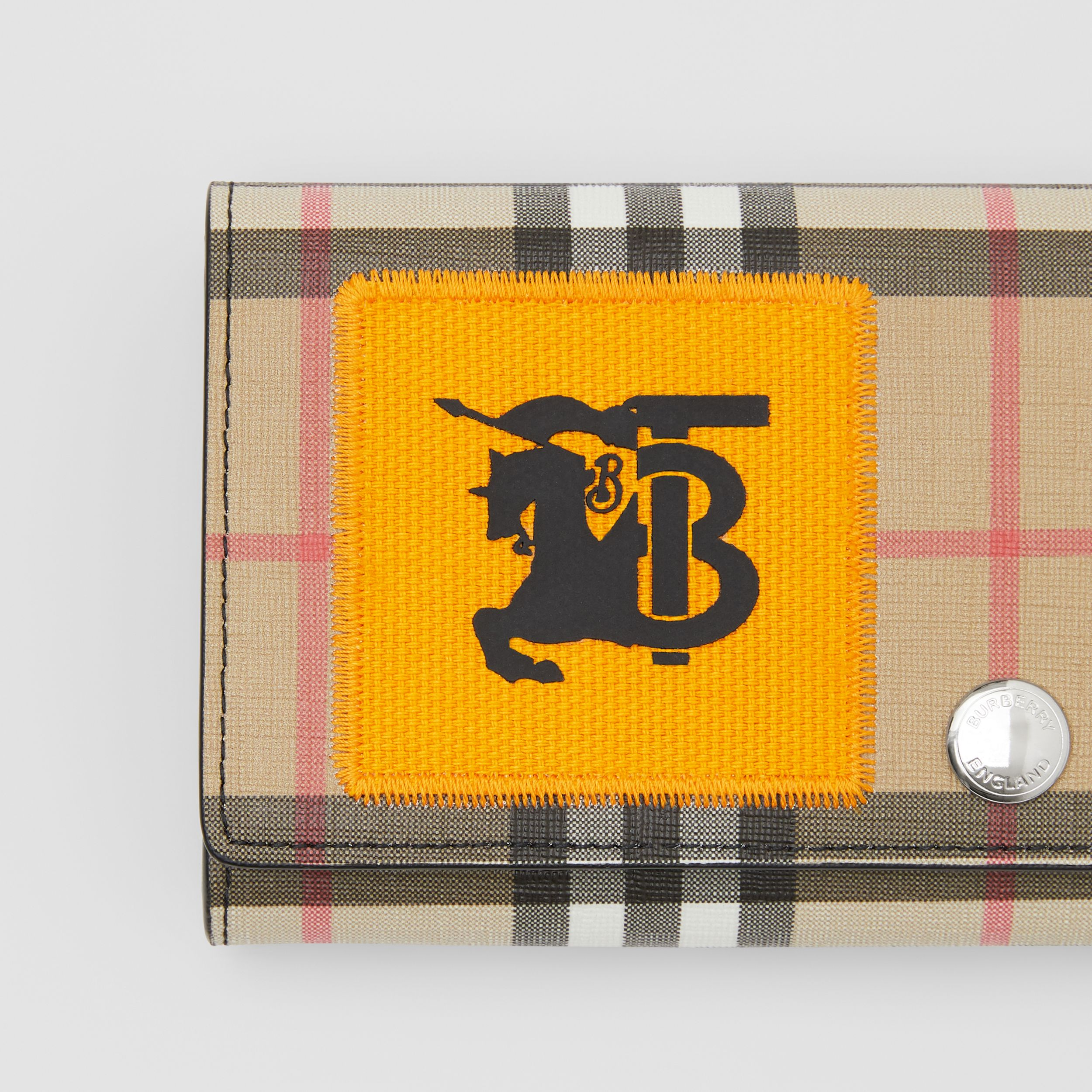 Logo Graphic Vintage Check E-canvas Continental Wallet in Archive Beige - Women | Burberry - 2
