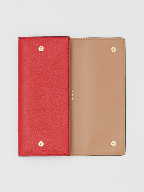 Grainy Leather Continental Wallet in Bright Military Red - Women | Burberry Singapore - cell image 2
