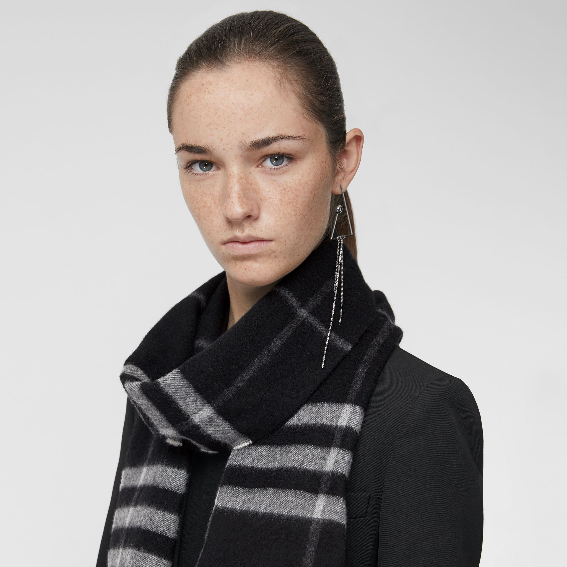 The Classic Check Cashmere Scarf in Black | Burberry United Kingdom - gallery image 5