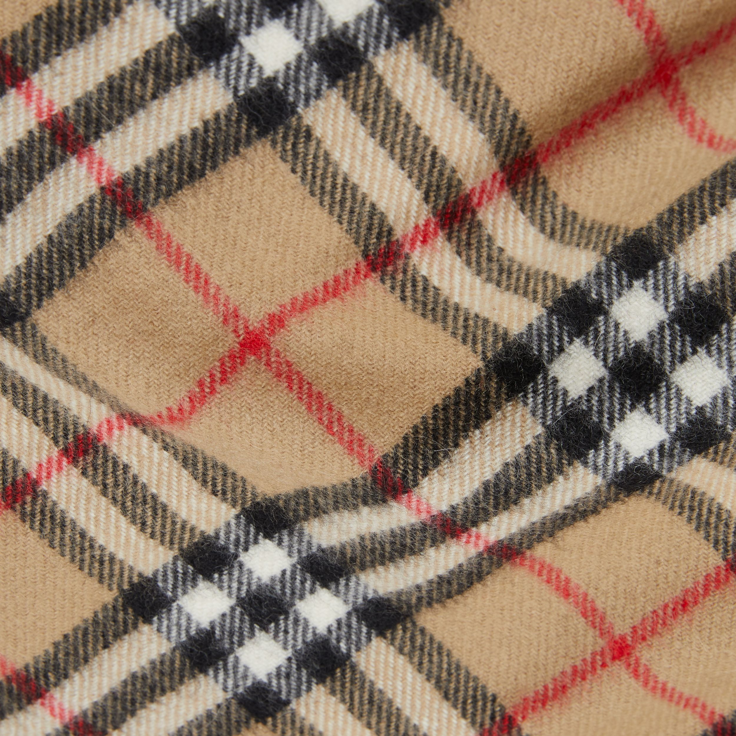 The Mini Classic Vintage Check Cashmere Scarf in Archive Beige - Children | Burberry United Kingdom - 2