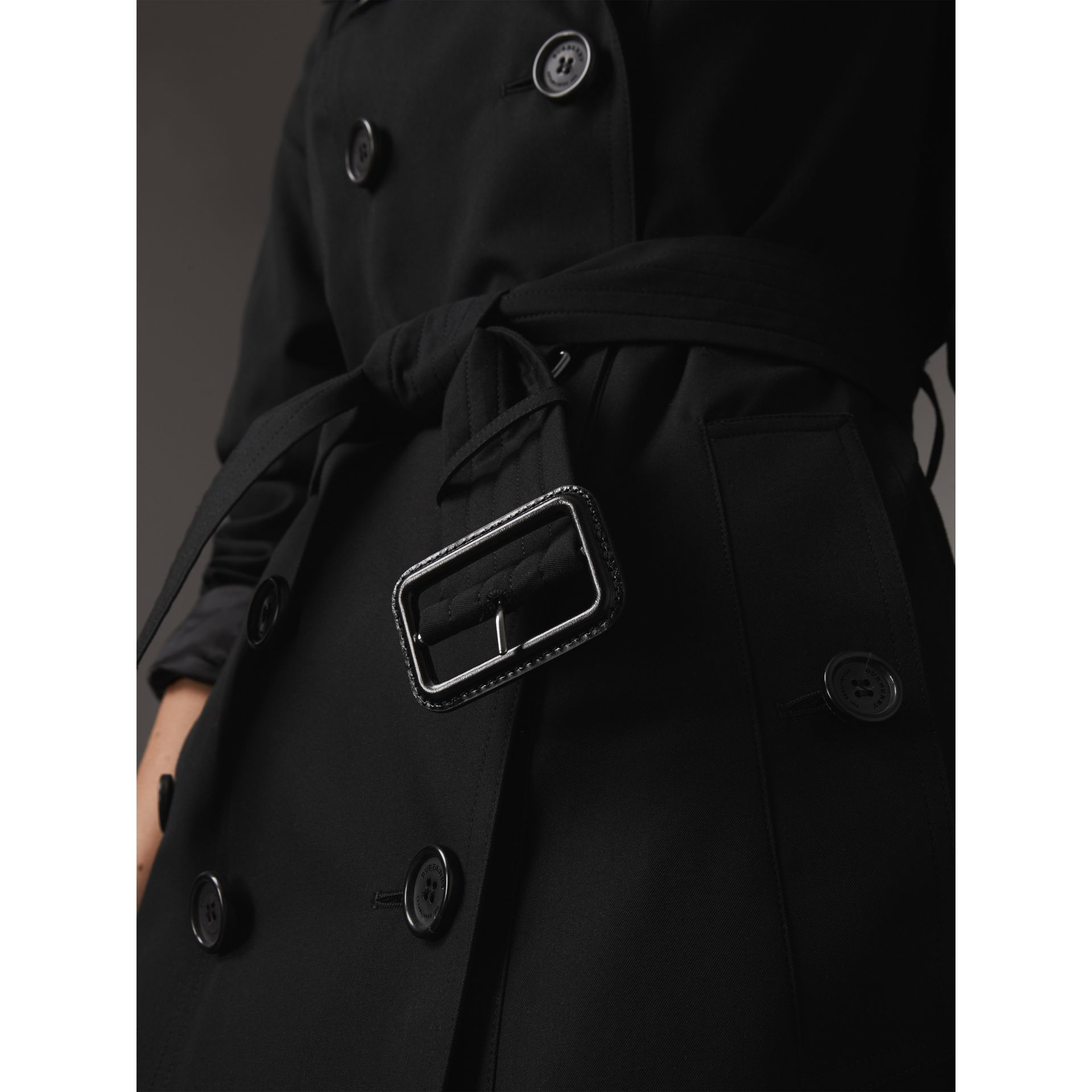 The Sandringham – Long Trench Coat in Black - Women | Burberry - gallery image 5