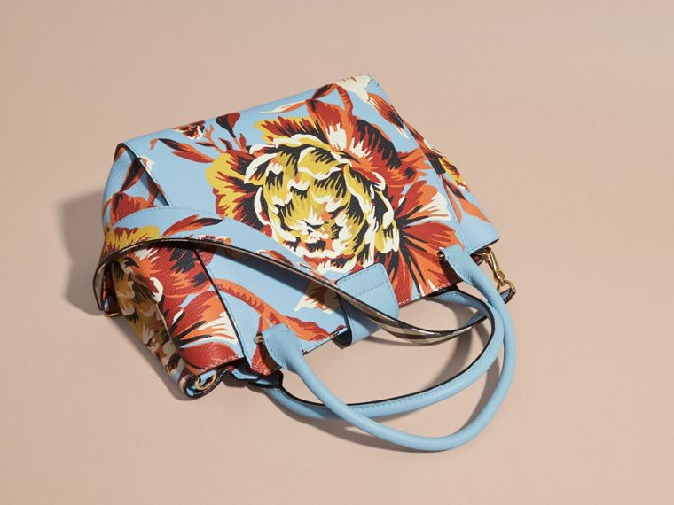 Pale blue/vibrant orange The Medium Buckle Tote in Peony Rose Print Leather Pale Blue/vibrant Orange - cell image 4