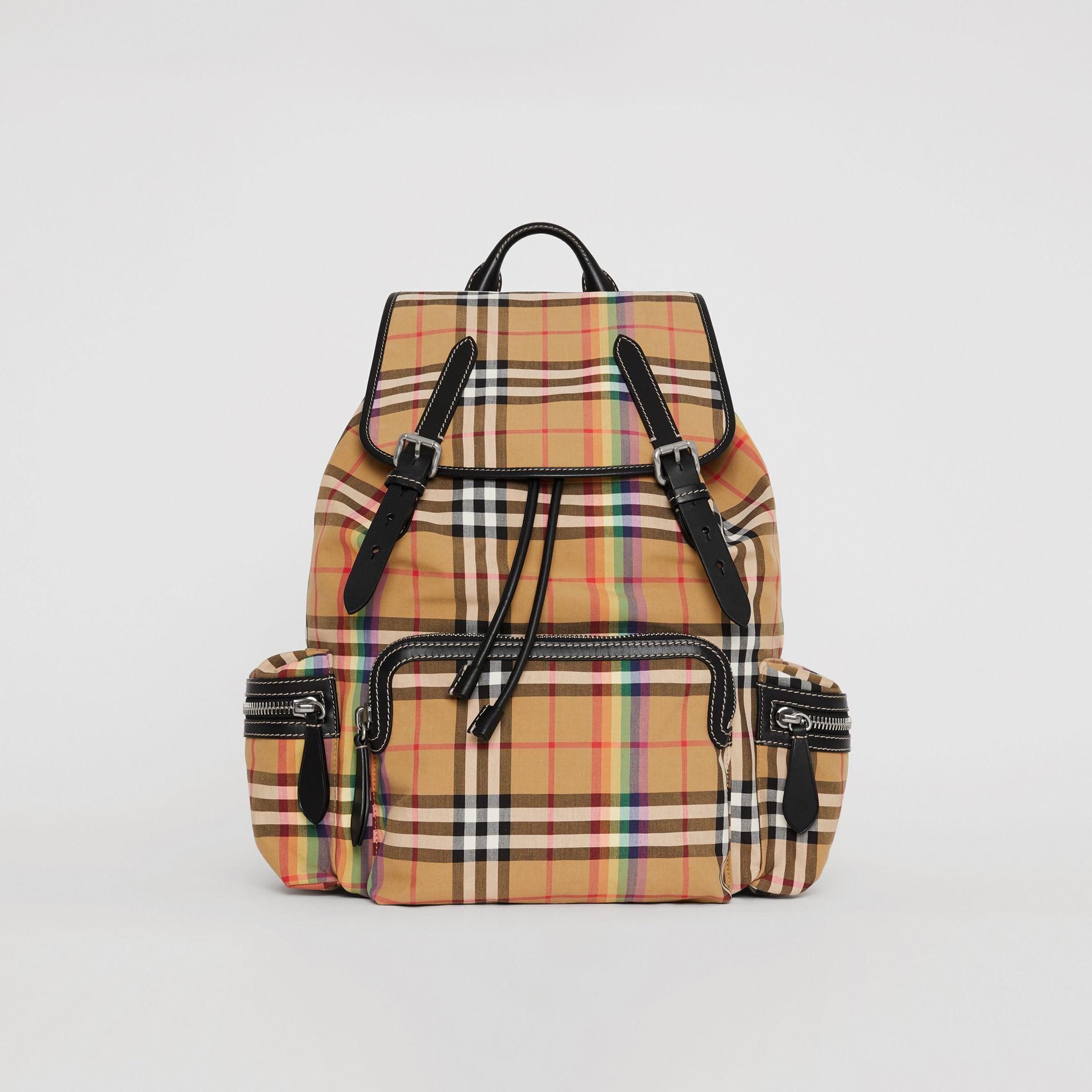Grand sac The Rucksack à motif Rainbow Vintage check (Jaune Antique) | Burberry Canada - photo de la galerie 0