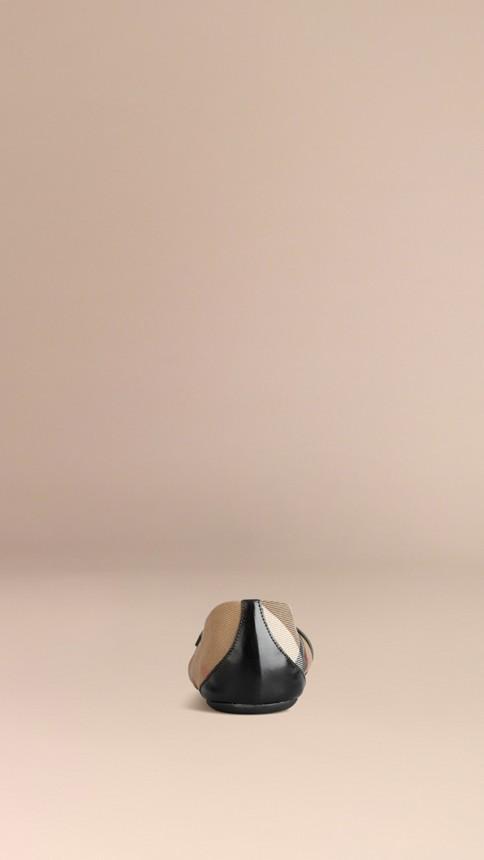 Noir Ballerines à bride avec motif House check Noir - Image 4