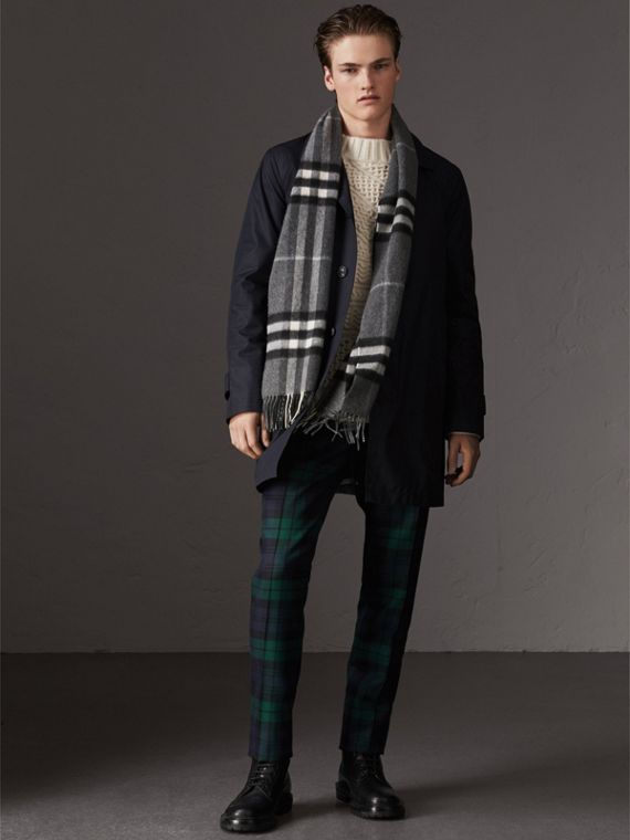 The Classic Check Cashmere Scarf in Mid Grey | Burberry Singapore - cell image 3