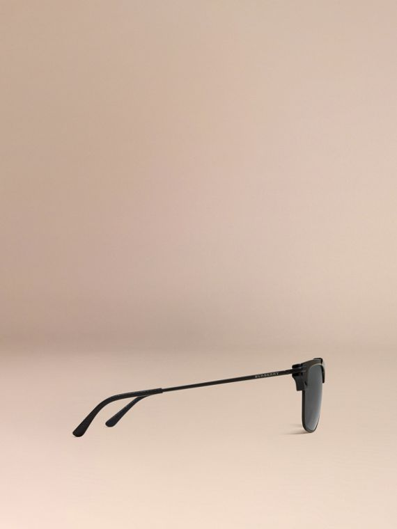 Square Frame Sunglasses in Black - cell image 3