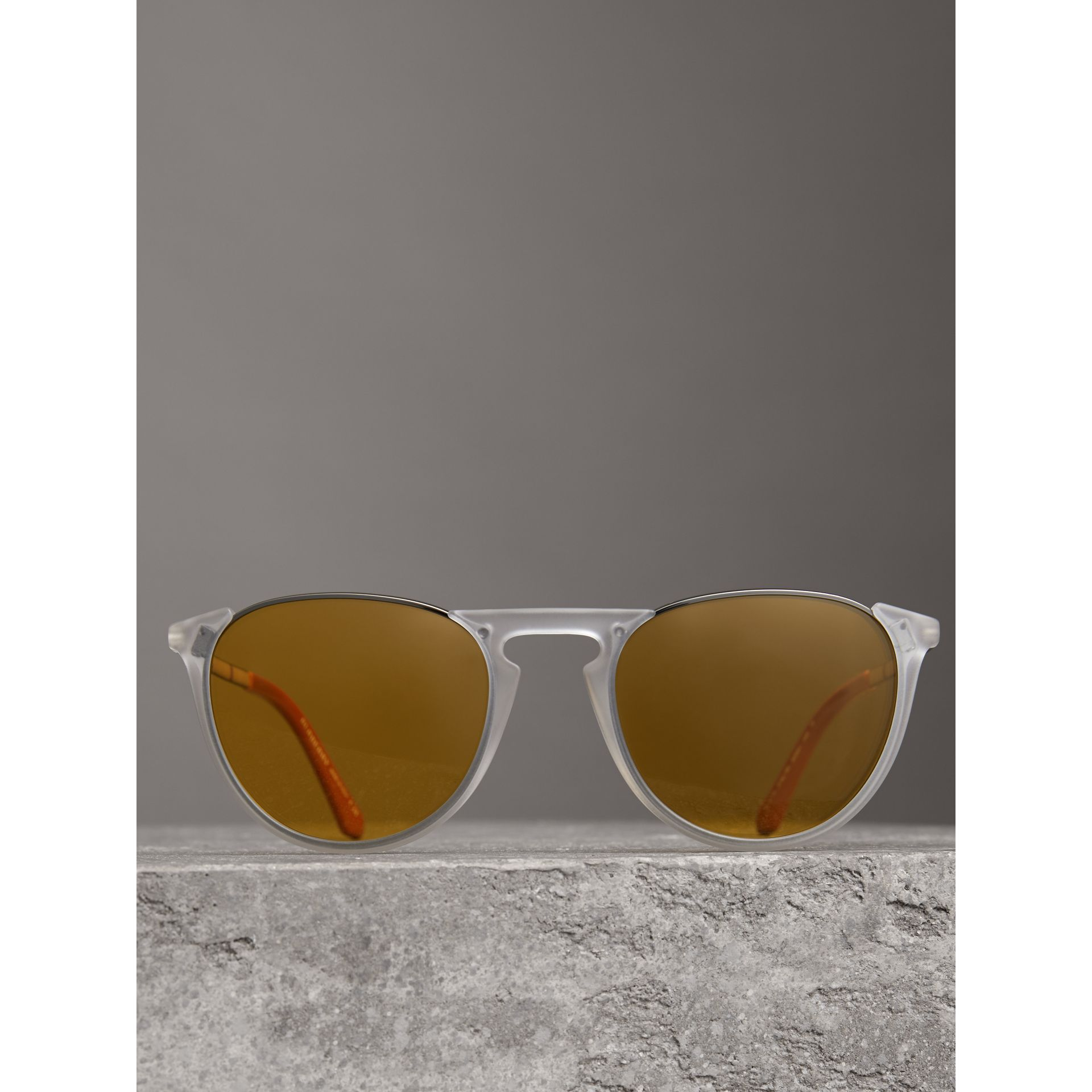 Keyhole Pilot Round Frame Sunglasses in Crystal - Men | Burberry United States - gallery image 2