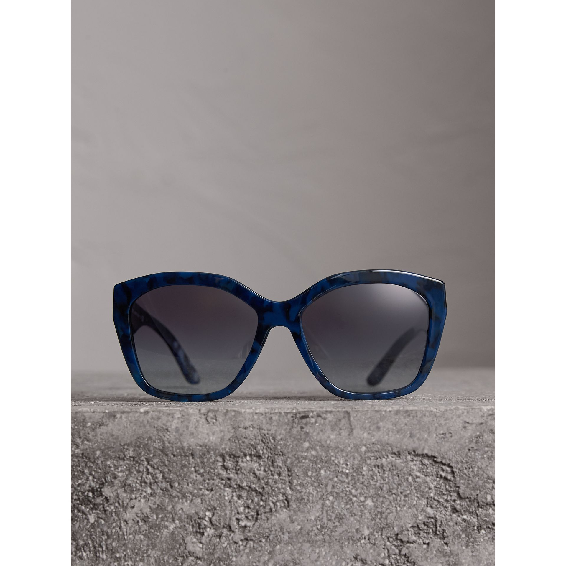 Square Frame Sunglasses in Blue - Women | Burberry Singapore - gallery image 3
