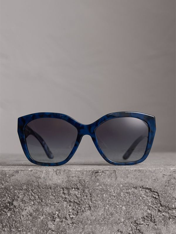 Square Frame Sunglasses in Blue - Women | Burberry Canada - cell image 3
