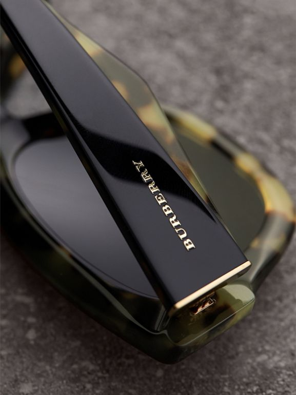Two-tone Square Frame Sunglasses in Black - Women | Burberry Australia - cell image 1