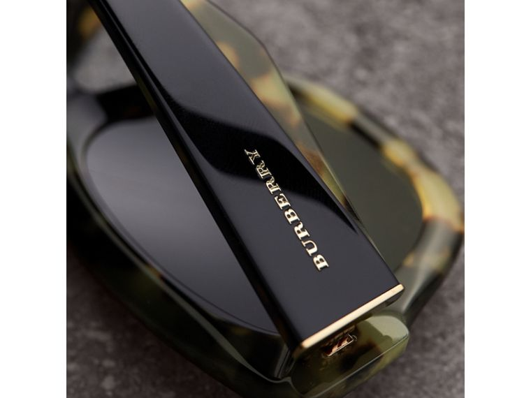 Two-tone Square Frame Sunglasses in Black - Women | Burberry Hong Kong - cell image 1