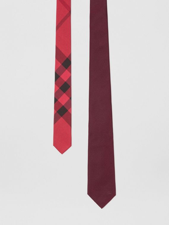 Slim Cut Check Silk Twill Tie in Mahogany Red