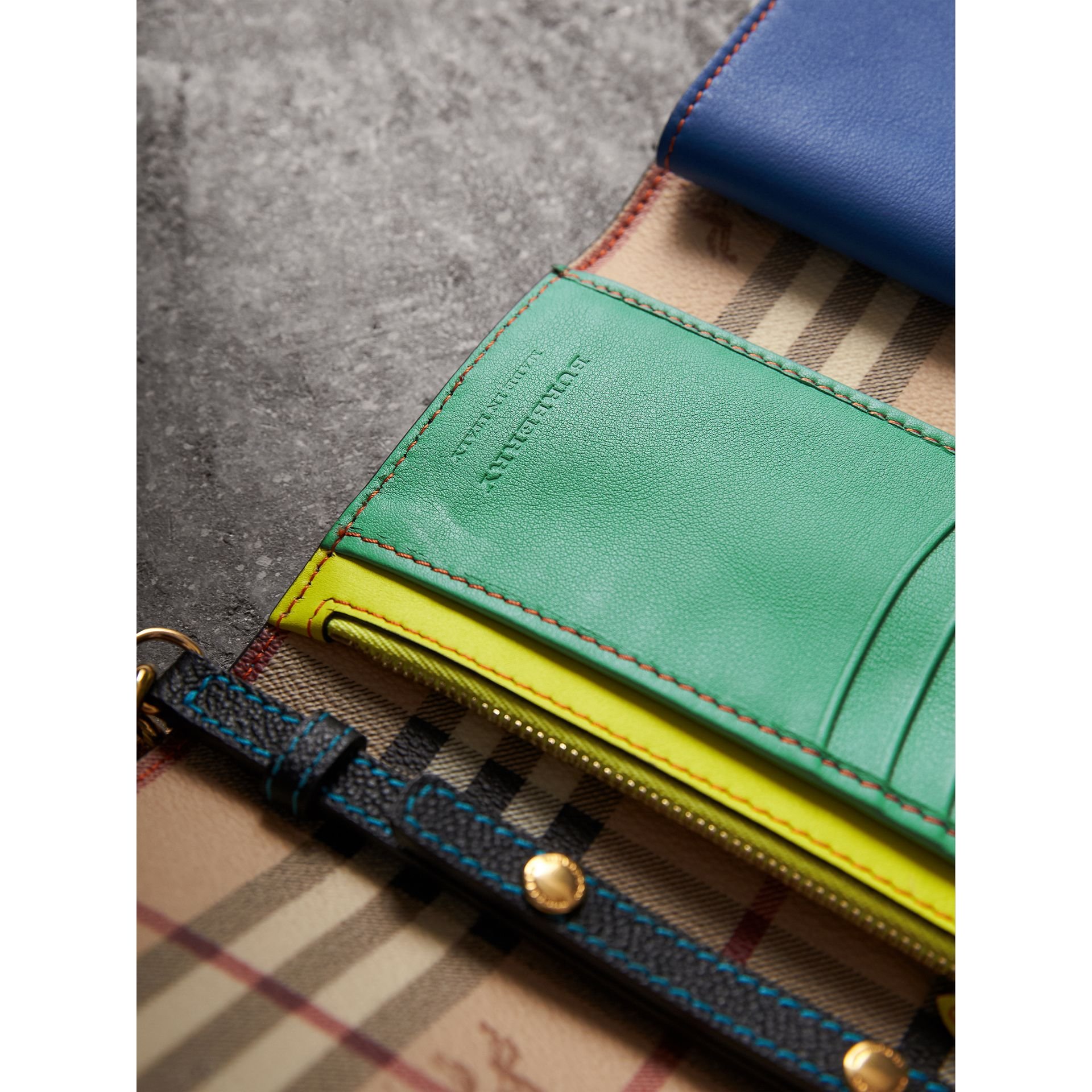 Topstitch Detail Leather Wallet with Detachable Strap in Black/multicolour - Women | Burberry Singapore - gallery image 4