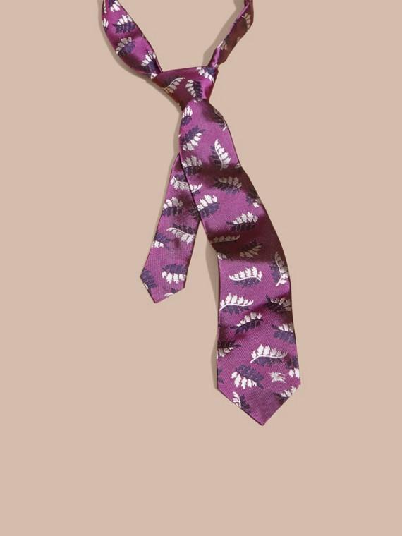 Cravatta dal taglio moderno in seta jacquard con motivo a foglia