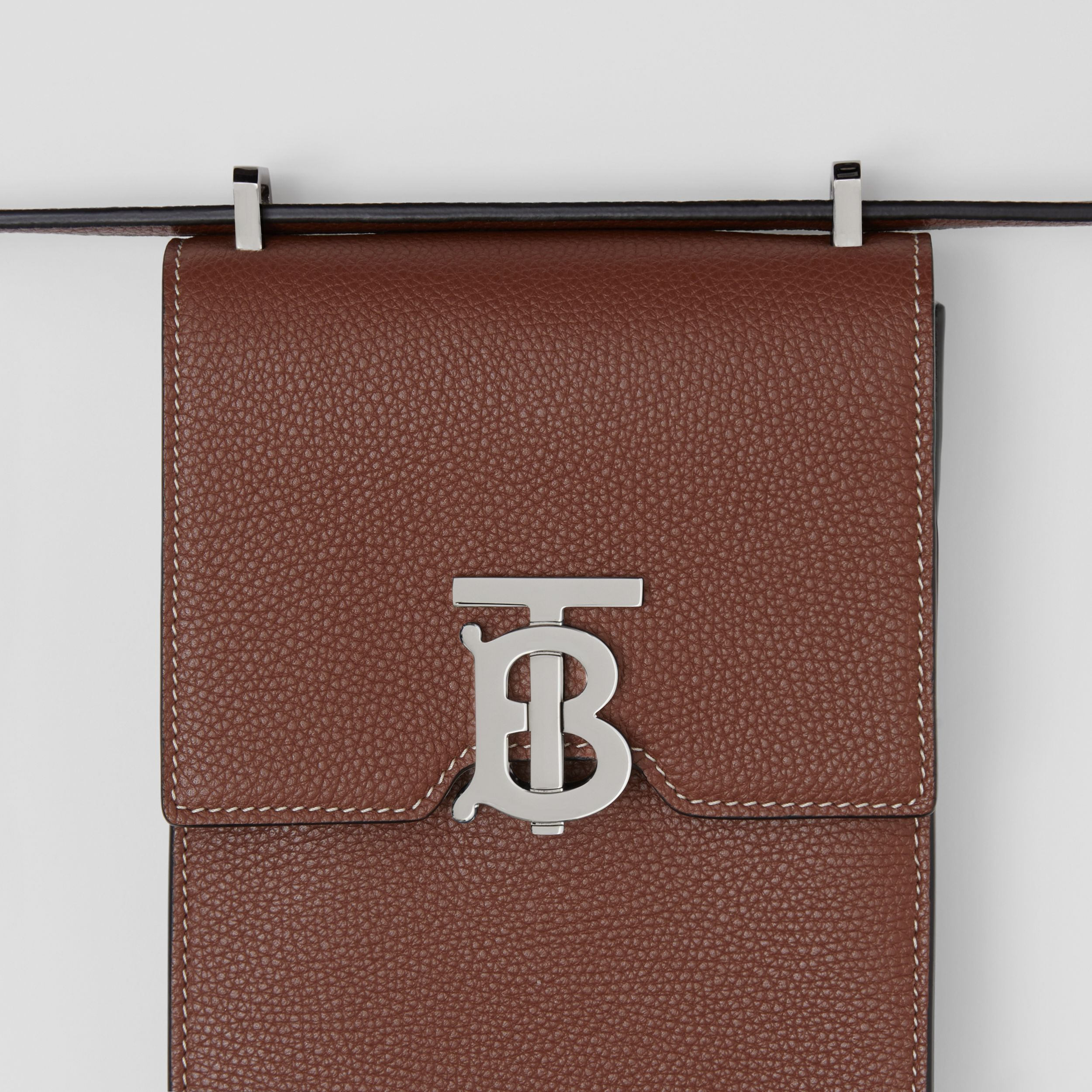 Grainy Leather Robin Bag in Tan | Burberry - 2