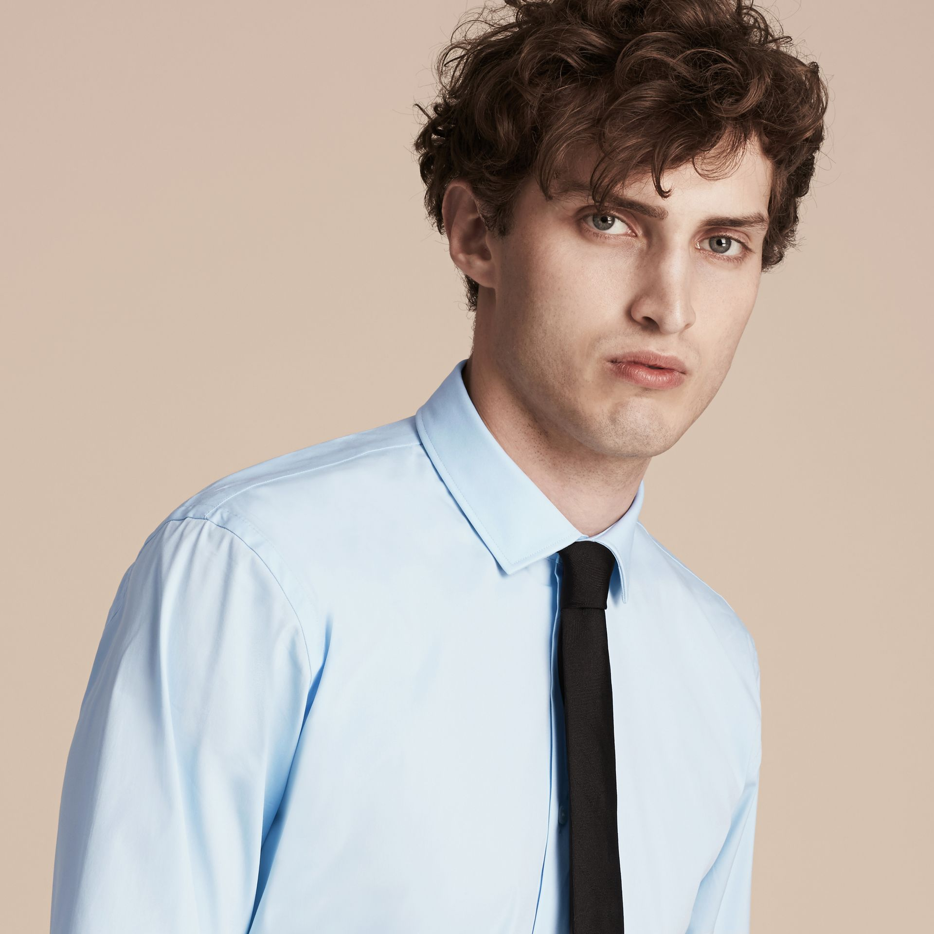 Modern Fit Stretch Cotton Shirt in City Blue - gallery image 5
