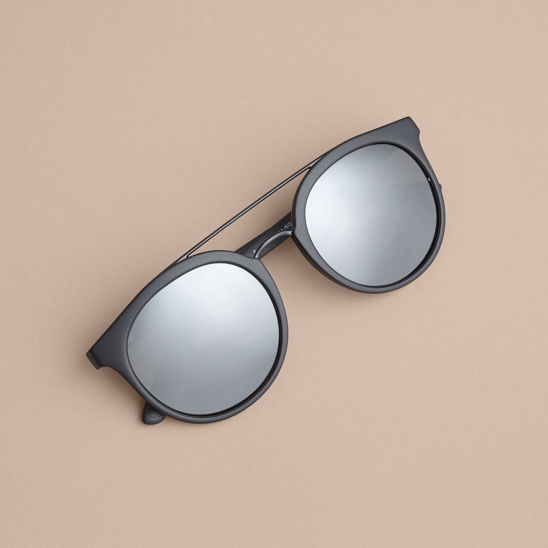 Top Bar Round Frame Sunglasses in Black | Burberry - gallery image 2