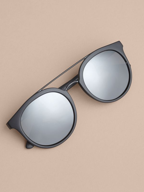 Top Bar Round Frame Sunglasses in Black | Burberry - cell image 2