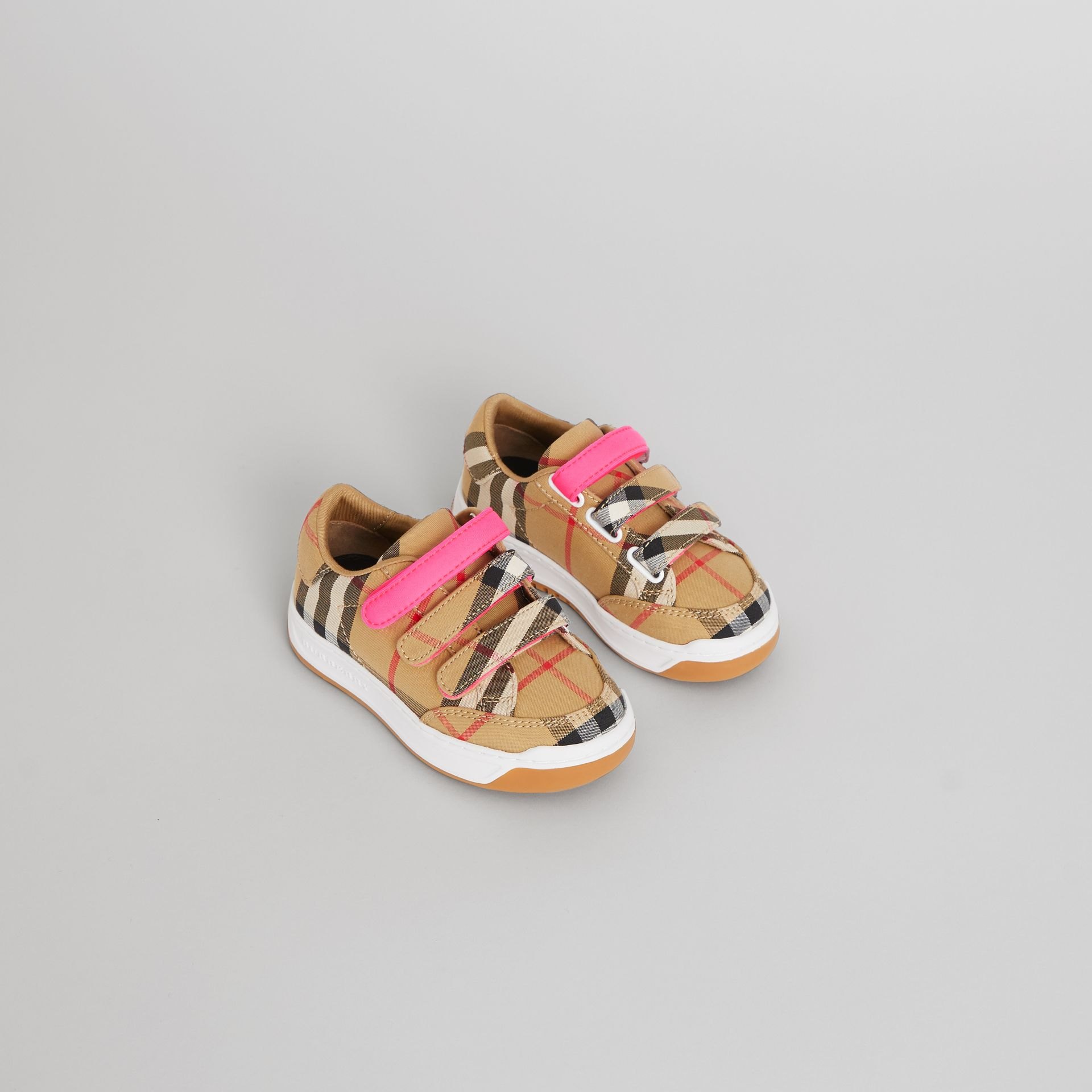Sneakers à motif Vintage check (Jaune Antique/rose Néon) - Enfant | Burberry - photo de la galerie 0