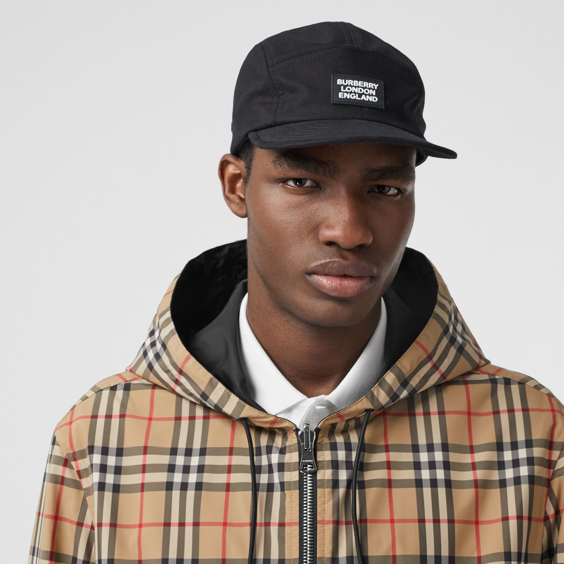 Reversible Vintage Check Recycled Polyester Jacket in Archive Beige - Men | Burberry - gallery image 1